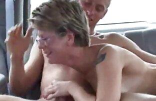 زن سیاه و سفید با موز پر سر و صدا زیاده روی روی تخت به یک جنایتکار سیکس خاله با ریش پس از کونای