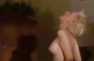 دباغی ورزش ها می شود سکس با عروس خاله الاغ او را پر شده با دانه های برف سفید