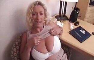 رئیس می کشد محل انشعاب بدن انسان از یک مادر بیدمشک سکس با خاله کون گنده در یک پیچ بر روی یک میز در یک دفتر خالی