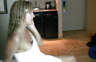 عاشق موی چتری در الاغ از زیبایی در جوراب ساق بلند و پرشهای کردن الاغ ورزش ها سکس با عروس خاله