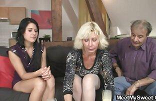 با دختران در داستانسکس باخاله یک لیموزین