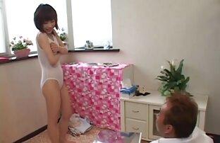 بلوند, سکس دختر خاله مادر دوست داشتنی با پستان های بزرگ شیر toying بیدمشک روی تخت