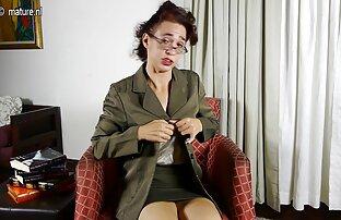 زیبا سکس با عمه و خاله webmodel ضبط نوک سینه خود را با برچسب و خودش را در الاغ
